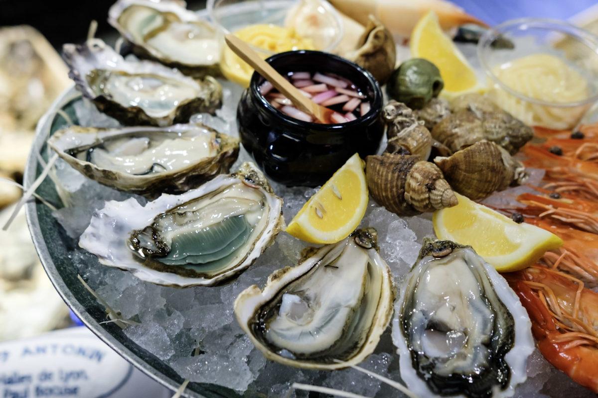 Плато из морепродуктов – Устрицы и креветки